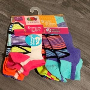 [NEW WITH TAGS] 6 Pack no show ankle socks